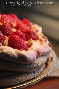 jordgubbsmarängtårta