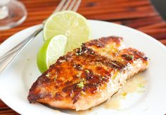 Pan Seared Salmon with Browned Butter Lime Sauce. This is one of the best salmon recipes you'll ever try! The salmon has a delicious Fish Dishes, Seafood Dishes, Seafood Menu, Tortas Light, Best Salmon Recipe, Sauce For Salmon, Mexico Food, Glazed Salmon, Easy Cooking