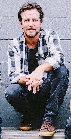 Eddie Vedder — anemiaempo: Vedder ficando grisalho: )