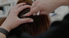 Nous offrons à nos clients un diagnostic du cuir chevelu à l'aide d'indicateurs qui nous permettent d'effectuer une mesure précise du cuir chevelu afin de connaître les besoins, et nous adaptons les produits spécifiques des dernières innovations scientifiques et garantissant une tolérance et efficacité optimales. Afin, Holding Hands, Scientists, Products, Hairstyle, Hair