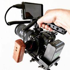 Run and Gun Credit: Vlogging Equipment, Camera Equipment, Camera Rig, Camera Gear, Camera Photography, Photography Business, Cinema Camera, Videos, Film School