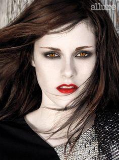 she looks better as a vamp! Jacob Black, Kristen Stewart Eyes, Harry Potter Twilight, Twilight Saga, Beautiful Green Eyes, Beautiful People, Eye Makeup, Hair Makeup, Fair Complexion