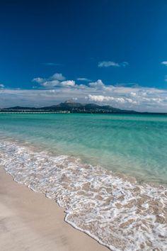 <3  Platja de Muro - Playa de Muro #Mallorca. http://www.ferienwohnungen-spanien.de/Mallorca/artikel/die-10-schoensten-badebuchten-auf-mallorca
