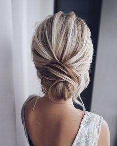 Easy Bun Hairstyles, Elegant Hairstyles, Bride Hairstyles, Indian Hairstyles, Hairstyle Ideas, Bridesmaid Updo Hairstyles, Hair Ideas, School Hairstyles, Beautiful Hairstyles