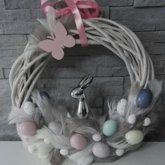Easter Crafts, Wreaths, Holidays, Halloween, Spring, Diy, Disney Easter Eggs, Easter Activities, Holidays Events