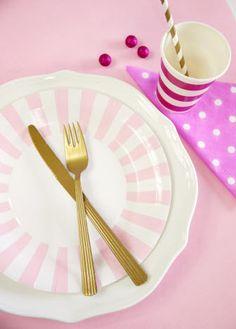 Assiettes en Carton à Rayures ou Bord Rayés Pour #SweetTables, #Anniversaire, Traiteurs, #Mariage, #Noel