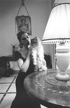 Palazzolo Acreide. Italian actress Monica BELLUCCI - Ferdinando Scianna, photographer