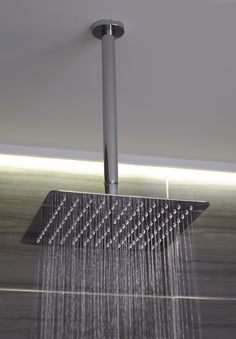 Constructed in stainless steel and perfect for beginning or ending your day, this striking square shower head from the Sitka Collection by Mirabelle allows you to experience the ideal shoulder-to-shoulder rain spray.