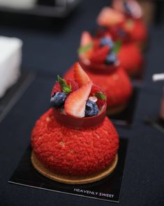 Finished Red Choux with at . Happy Sunday everyone! Choux Pastry, Pastry Cake, Shortcrust Pastry, Eclairs, Profiteroles, Fancy Desserts, Delicious Desserts, Bon Dessert, Beautiful Desserts