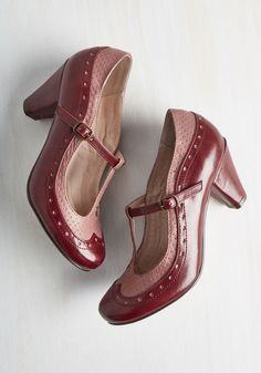 Seize the Debut Heel. Make the panache of your grand entrance last in these Chelsea Crew heels! #red #modcloth