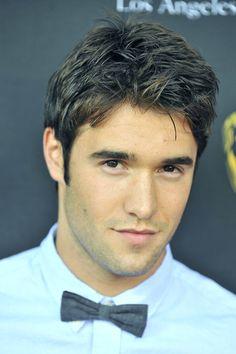 Marry me? Joshua Bowman from Revenge