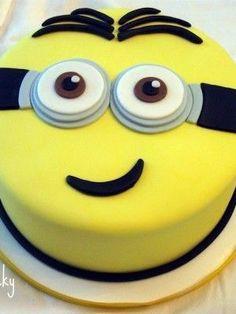Cake Decorating / Minion Cake
