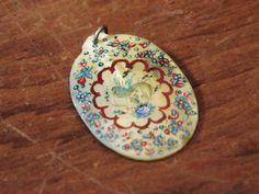 マザーオブパール ハンドペイントのペンダントトップ : 神戸六甲のアンティークショップ Antique L'armoire de TSUBAKI