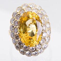 Van Cleef & Arpels 11.37 Carat Sapphire diamond gold Ring 4