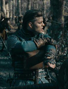 Ivar the boneless. Vikings Show, Vikings Season, Vikings Tv Series, Ivar Le Désossé, Ivar Ragnarsson, Pretty Boys, Cute Boys, Sons Of Ragnar, Ragnar Lothbrok Vikings