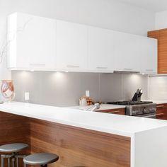 Modern Kitchen Globe Electric Company Slim Under Cabinet Puck Light - Refacing Kitchen Cabinets, Kitchen Cabinet Remodel, Modern Kitchen Cabinets, Old Kitchen, Modern Farmhouse Kitchens, Modern Kitchen Design, Home Decor Kitchen, Kitchen Themes, Kitchen Ideas