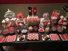 candy party, candy table, decoration table, lolly b. Food Truck Desserts, Party Desserts, Casino Night Party, Casino Theme Parties, Parties Food, Dessert Bars, Dessert Table, Candy Bar Comunion, Deco Buffet