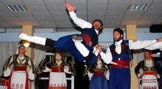 Ο Λαογραφικός - Χορευτικός Όμιλος «ΚΡΗΤΕΣ» [http://www.kritikamonopatia.gr/?p=14844]