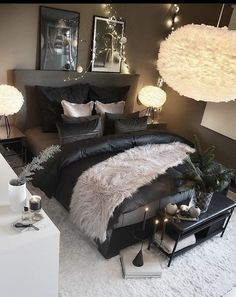 The way you decorate your home is somehow similar to choosing beautiful clothes to wear on a daily basis. An impressive interior decoration of your home or office is essential for your own state of mind, if nothing else. Cute Bedroom Ideas, Cute Room Decor, Room Ideas Bedroom, Home Decor Bedroom, First Apartment Decorating, Diy Decorating, Interior Decorating, Stylish Bedroom, Aesthetic Room Decor