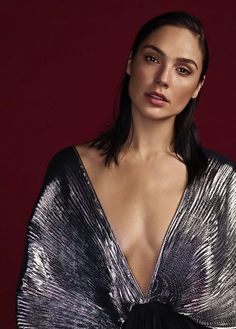 """wonderouswomans: """" Gal Gadot photographed by Matthias Vriens-McGrath for Glamour UK, December 2017 """"""""Before I got Wonder Woman, I was thinking about never coming back to Los Angeles, [I thought I'd]. Beautiful Celebrities, Gorgeous Women, Gal Gadot Photos, Gal Gardot, Gal Gadot Wonder Woman, Glamour Uk, Perfect Woman, Hollywood Actresses, Beauty"""