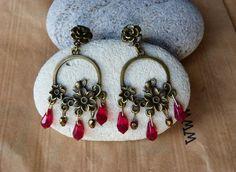 """Boucles d'oreilles créoles """"Flora"""" en perles rouges Swarovski"""