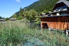 Am Weissensee stehen viele Häuser direkt am See http://www.travelworldonline.de/traveller/weissensee-kaernten-ein-echter-geheimtipp-in-oesterreich/?utm_content=buffer1c7bc&utm_medium=social&utm_source=pinterest.com&utm_campaign=buffer  ... #kärnten #weissensee #österreich #alpen
