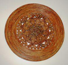 Arte em papel Newspaper Art, Paper Jewelry, Hobby, Quilts, Wall Art, Sisal, Diy, Paper Basket, Paper Art