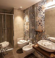A Ragusa il recupero di un palazzo del XVIII secolo Bathroom Design Small, Bath Design, Küchen Design, Bathroom Interior Design, House Design, Ideas Baños, Beautiful Bathrooms, Bathroom Inspiration, Sweet Home
