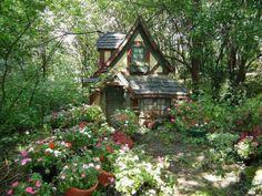 Cottage in the Woods. Cottage In The Woods, Cozy Cottage, Garden Cottage, Cottage House, French Cottage Decor, Cottage Style, Future House, My House, Fairytale Cottage