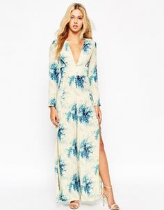 Buy ASOS Plunge Neck Jumpsuit with Wide Leg in Floral Print at ASOS. With free delivery and return options (Ts&Cs apply), online shopping has never been so easy. Get the latest trends with ASOS now. Latest Fashion Clothes, Fashion Outfits, Fashion Online, Women's Fashion, Floral Jumpsuit, Overall, Jumpsuits For Women, Fashion Prints, Street Style Women