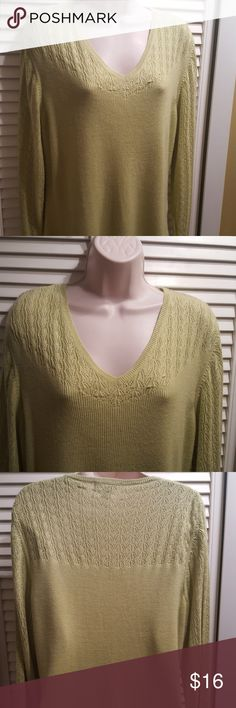 "Dress Barn Paris Lime Green Knit Sweater Petite L Preowned Dressbarn Paris Lime Green Knit Sweater Size Petite L. Pit-to-pit measurements: Shoulders 17"", Bust 20"" & Length of the Sweater in the back 24"" & Sleeve 34"". The sweater is in good & clean condition from non-smoking home with no pets. Photos are of the actual item you are purchasing, so please look at them closely for specifics on condition. Thank you. Dress Barn Sweaters V-Necks"