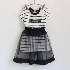 Розничная девушки одежда комплект лето стиль 2016 корейский мода полосатый с коротким майка платье + вуаль юбка детская одежда купить на AliExpress