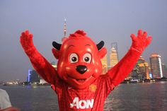 MACHESTER UNITED MASCOTTE SPOTTED IN SHANGHAI