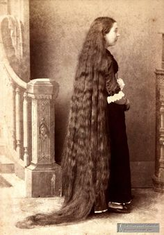 wow victorian  .. i thought my hair was superlong lol