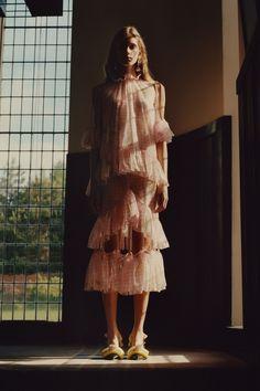 Christopher Kane Resort 2018 Fashion Show Collection