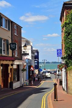 Cowes in Isle of Wight. Who wouldn't be happy strolling here? It's almost like it's always a walk in the park.
