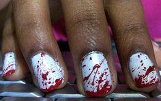 Unghie Halloween color sangue :)