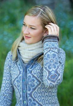 Ravelry: Morgendis / Morning Mist pattern by Sidsel J. Fair Isle Knitting, Baby Knitting, Knitting Designs, Knitting Patterns, Dressy Jackets, Norwegian Knitting, Knit Cardigan Pattern, Sweater Design, Fair Isles