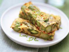 Omelett mit Spargel | http://eatsmarter.de/rezepte/omelett-mit-spargel-0