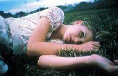 ''Ella era el punto fijo del mundo en movimiento.'' Las vírgenes suicidas. Sofía Coppola. 1999