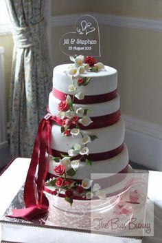 Wedding Cake by The Bun Bunny