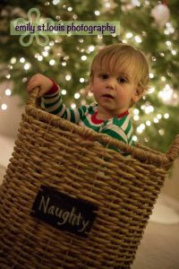 Toddler Christmas Photo. I wanna do this next xmas with Brayden.