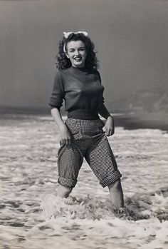 Norma Jeane (1945)