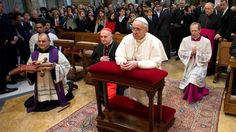 """Pope's November evangelization intention """"That young seminarians and religious may have wise and well-formed mentors"""""""
