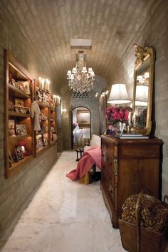 You've Never Seen Anything Like Suzanne Somers's Opulent Palm Springs Estate