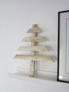 DIY ÁRBOL DE LISTONES DE MADERA | Decorar tu casa es facilisimo.com