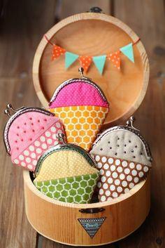 Chocolate toffee ice cream mini coin purse , best li pressies