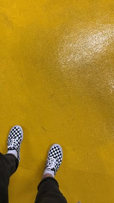 Excited Puppy, Color Fight, Yellow Quotes, Vans, Clothing Photography, Shades Of Yellow, Mellow Yellow, Homestuck, Punk Fashion
