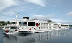 We show you the differences between Viking River Cruises & Uniworld River Cruises & AmaWaterways & Tauck & CroisiEurope & A-ROSA.