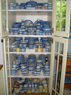 Someone is so lucky!  Check out their Cornishware collection!  *Remember to collect only older pieces now - they sold out to China and its no longer made in England.  What a shame.